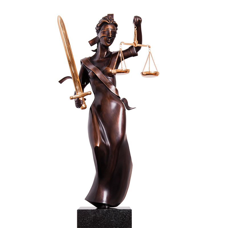 Frans van Straaten bronzen beeld ' Vrouwe Justitia '