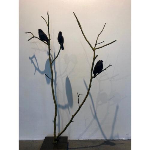 Rob-Nagtzaam-bronzen-beeld-Goudvinken-op-tak