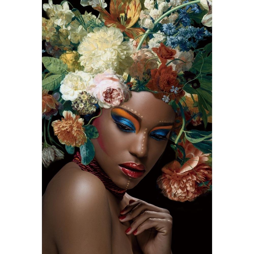 Glas schilderij 'Beauty with flowers' is een digitale print van een vrouwengezicht met bloemen.
